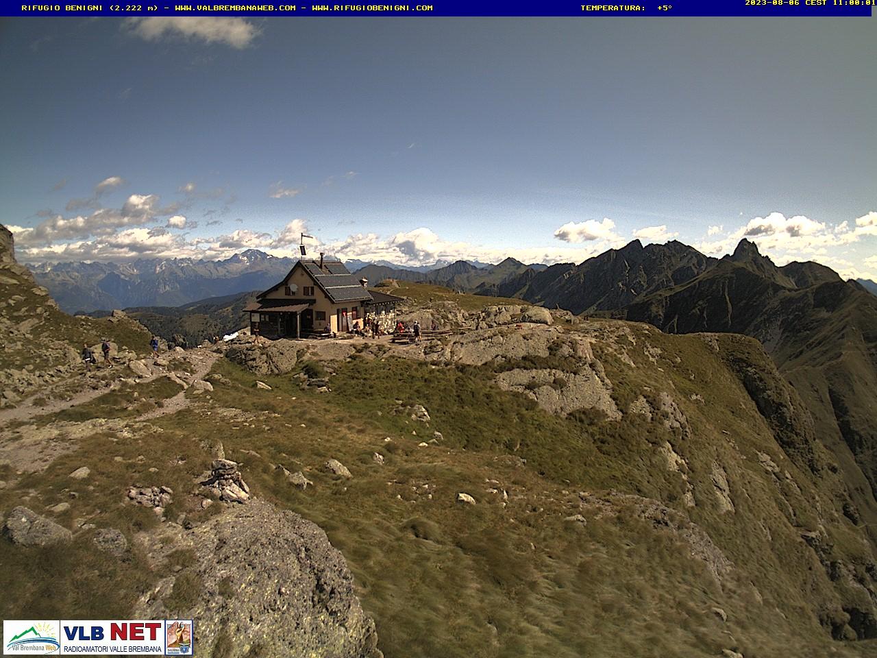 http://www.vallebrembana.org/webcam/rifugiobenigni--3.jpg